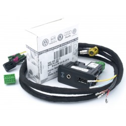 5G0035222E USB AUX CARPLAY...
